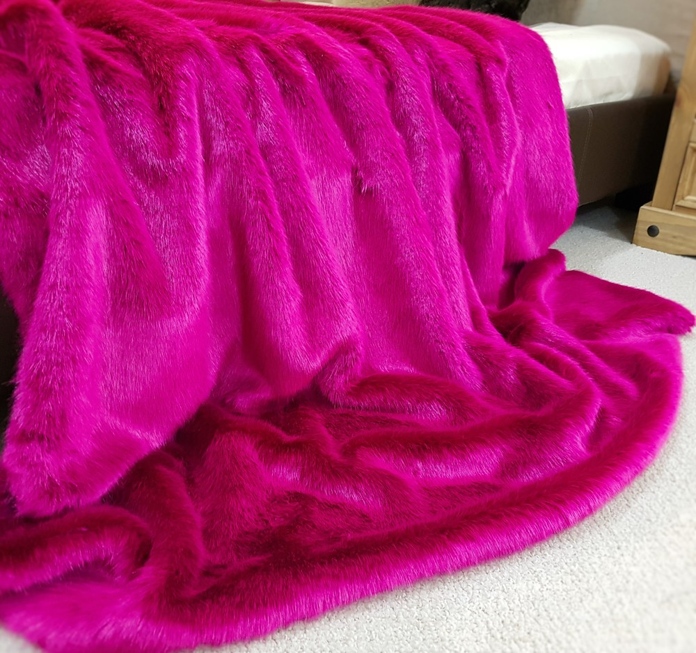 Attractive Hot Pink Faux Fur Throw - Faux Fur Throws, Fabric and Fashion GW97