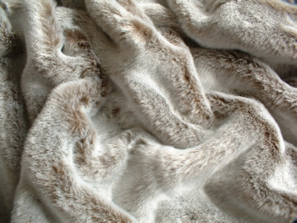 koala faux fur fabric per meter faux fur throws fabric. Black Bedroom Furniture Sets. Home Design Ideas