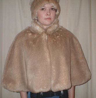 SALE Tissavel Cream Caramel Faux Fur Cape