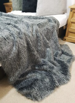 SALE Egyptian Mau Faux Fur Throw with Graphite Velboa