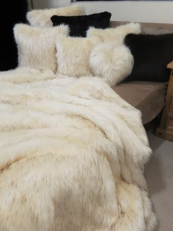 Tissavel Himalaya Faux Fur Throws