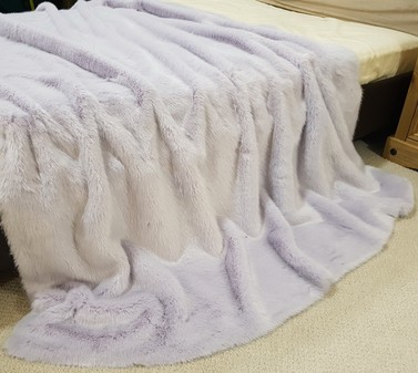 Tissavel Lavender Faux Fur Throws