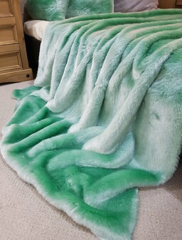 SALE Tissavel Mint Faux Fur Throw with Satin