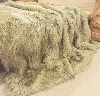 Tissavel Palomino Faux Fur Throws
