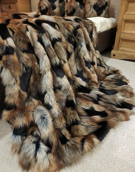 Tissavel Serengeti Faux Fur Throws