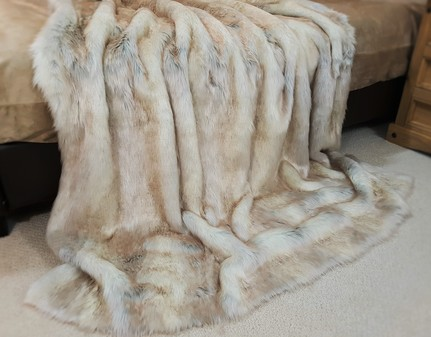 Snow Wolf Faux Fur Throw