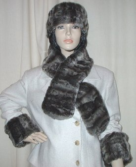 Vintage Silver Astra Faux Fur Pull Through Scarf