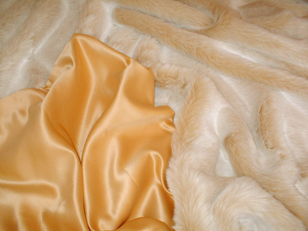 Gold Duchess Satin per meter