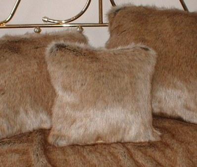Husky Faux Fur Cushion  16 x 16 inches (41 X 41cm)