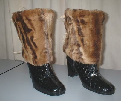 Vintage Gold Astra Faux Fur Boot Wraps
