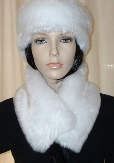 Snow White Faux Fur Long Collar