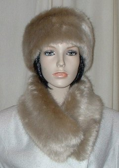 Honey Blonde Faux Fur Long Collar