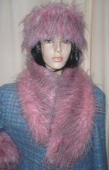 Pretty in Pink Faux Fur Neck Scarf