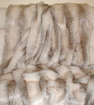 Snow Wolf Faux Fur per meter