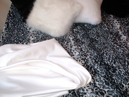 White Faux Suede per meter