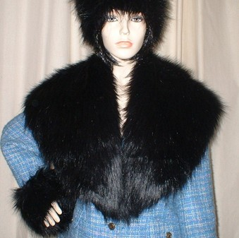 Black Bear Faux Fur Shawl Collar