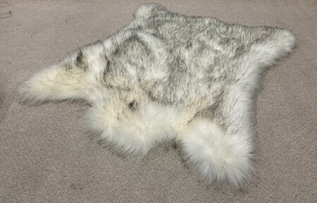 Tissavel Tundra Arctic Fox Faux Fur Animal Shape Rug