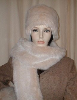 Sunny Bear Faux Fur Scarf