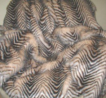 Sumatra Tiger Faux Fur per meter