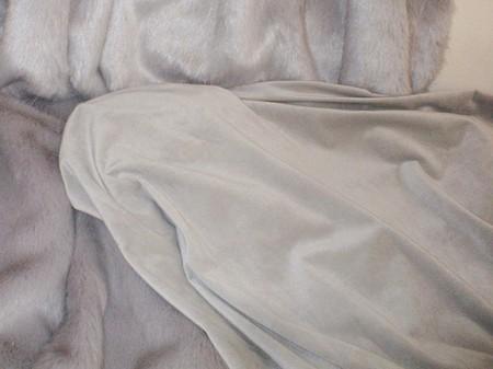 Dove Grey Silk Velboa per Meter