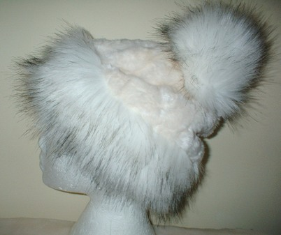 Alaska Faux Fur Bobble Hat