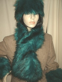 Jade Faux Fur Pull Through Scarf
