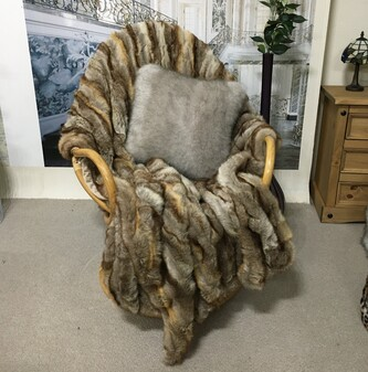 SALE Sahara Faux Fur Throw with Latte Velboa