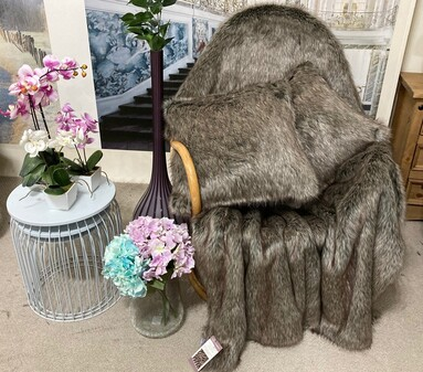 SALE Timber Wolf Faux Fur Throw with Cushions