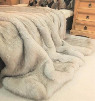 SALE Tissavel Tundra Wolf Cream Faux Fur Throw with Graphite Velboa