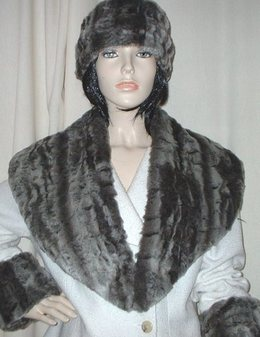 Vintage Silver Astra Faux Fur Shawl Collar