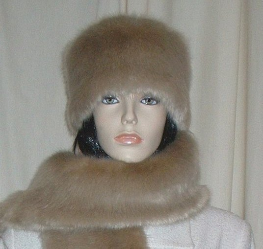 Honey Blonde Faux Fur Hat Medium Size
