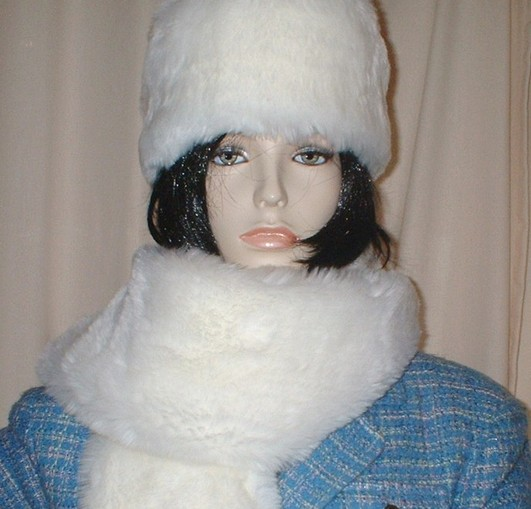 Original Marilyn Faux Fur Hat Medium Size