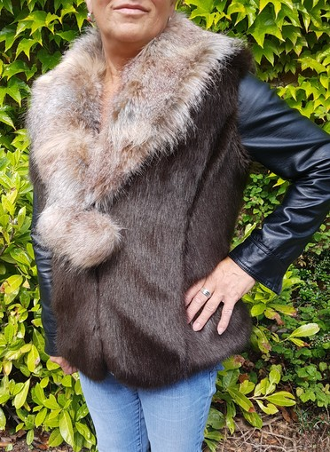 Mahogany and Desert Coyote Blue Faux Fur Pom Pom Collar Gilet