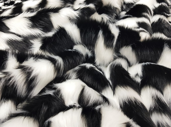 Tissavel Houndstooth Faux Fur Swatch