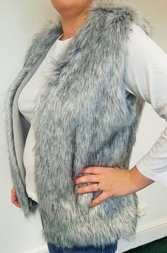 SALE Silver Musquash Faux Fur Gilet Size 14