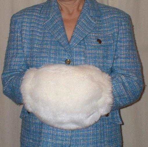 Marilyn Faux Fur Muff