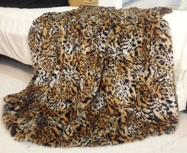 Jungle Cat Faux Fur Swatch