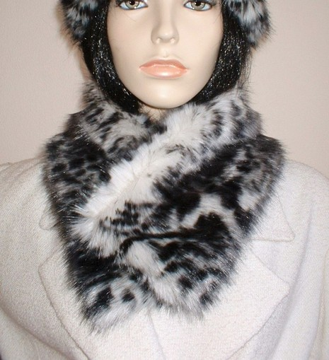 Panther Faux Fur Long Collar