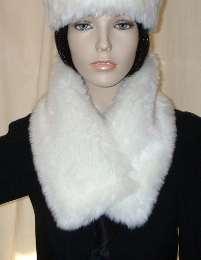Marilyn Faux Fur Long Collar