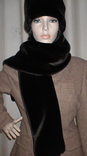 Chocolate Moleskin Faux Fur Scarf