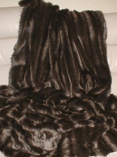 Rocky Mountain Faux Fur Per Meter