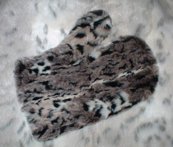 Wild Cat Faux Fur Mitt