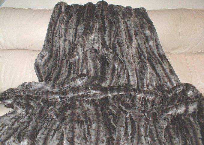 Vintage Silver Astra Faux Fur Swatch