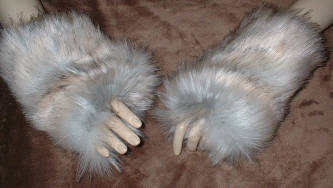 Snow Wolf Faux Fur Fingerless Mittens