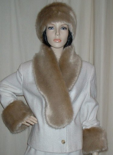 Honey Blonde Faux Fur Pull Through Scarf