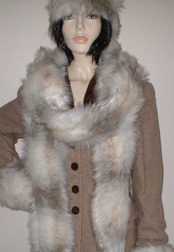 Snow Wolf Faux Fur Super Long Scarf