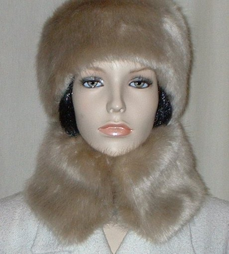 Honey Blonde Faux Fur Collar