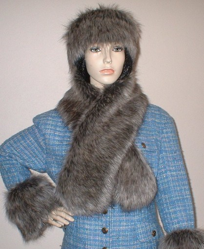 Timber Wolf Faux Fur Pull Through Scarf