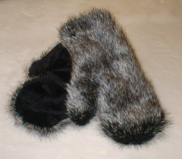 Wolfhound Faux Fur Mittens