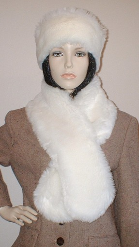 Marilyn Faux Fur Pull Through Scarf